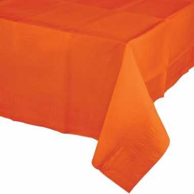 Plastic tafelkleed in het oranje